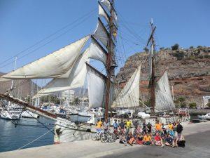 Die beitune Gruppe vom dem Segelschiff Astrid beim beitune Inselhopping.