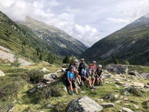 Überquerung des Alpenhauptkamms am Pfitscherjochbeitune Frauen-Transalp Zillertal Gardasee