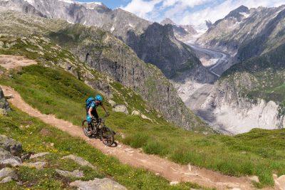 Beim beitune Enduro-Wochenende Top of Wallis sind wir auch am Aletsch Gletscher und am Fiescher Gletscher unterwegs